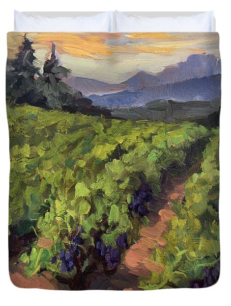Vineyard At Dentelles Duvet Cover by Diane McClary