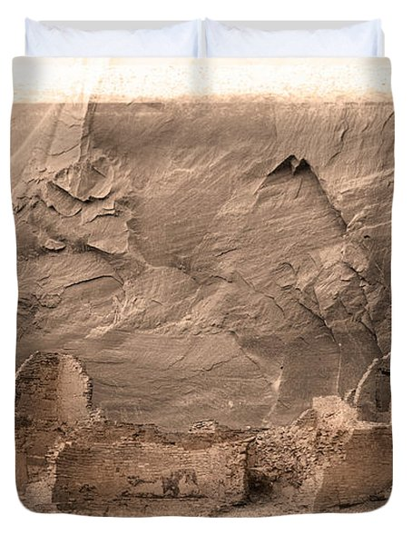 Duvet Cover featuring the photograph Vintage Canyon De Chelly by Jerry Fornarotto