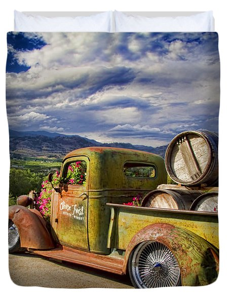 Vintage Chevy Truck At Oliver Twist Winery Duvet Cover