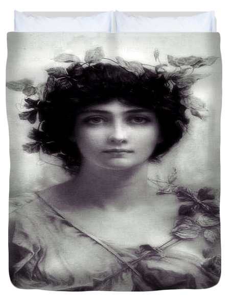 Vintage Lady Duvet Cover