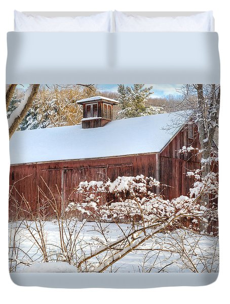 Vintage New England Barn Duvet Cover by Bill Wakeley