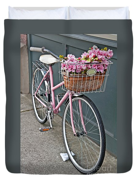 Vintage Pink Bicycle With Pink Flowers Art Prints Duvet Cover