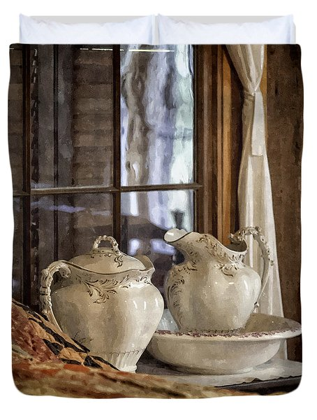 Vintage Wash Bowl And Pitcher Duvet Cover by Lynn Palmer
