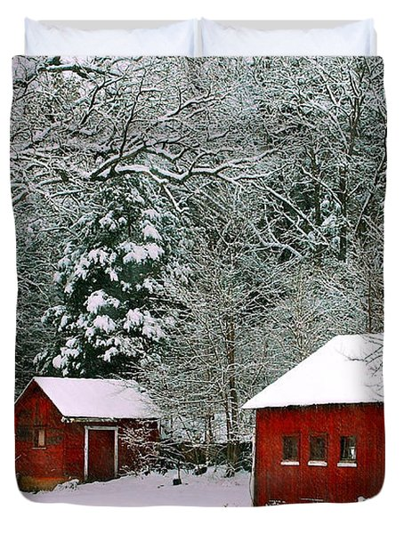 Duvet Cover featuring the photograph Vintage Winter Barn  by Peggy Franz