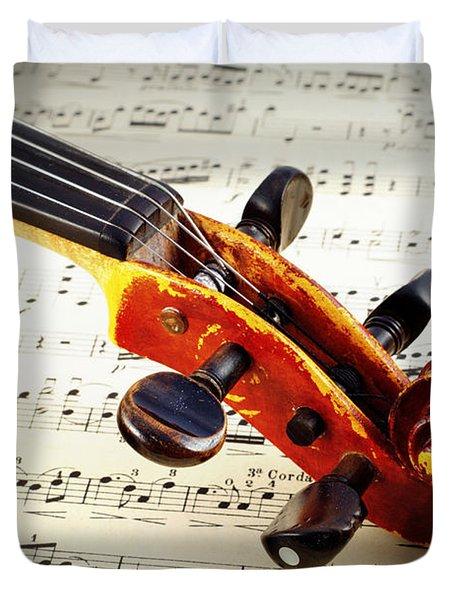Violine Duvet Cover