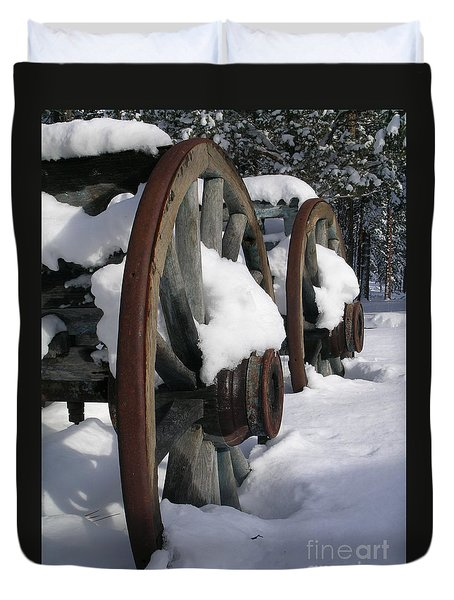 Duvet Cover featuring the photograph Wagons West by Jennifer Lake