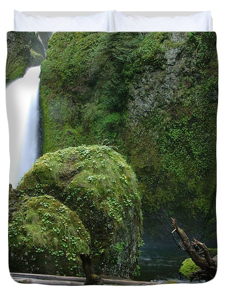 Wahclella Falls And Boulder Duvet Cover