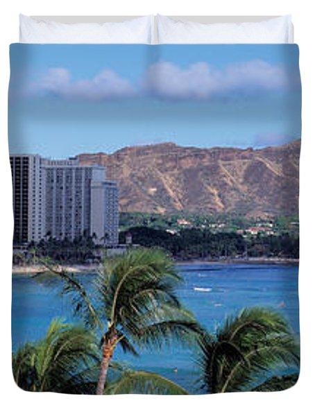 Waikiki Beach, Honolulu, Hawaii, Usa Duvet Cover