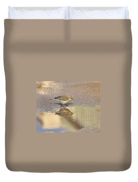 Warbler Reflection I Duvet Cover