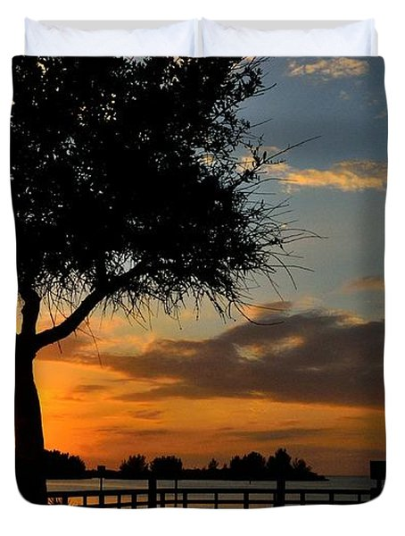 Duvet Cover featuring the photograph Warm Glowing Sunset by Richard Zentner