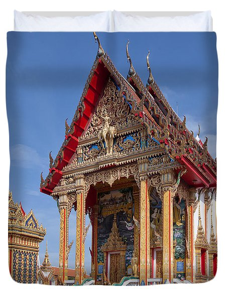 Duvet Cover featuring the photograph Wat Choeng Thalay Ordination Hall Dthp138 by Gerry Gantt