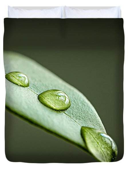 Water Drops On Green Leaf Duvet Cover