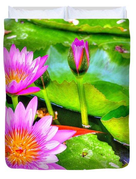 Water Lilies 2 Duvet Cover by Richard Zentner