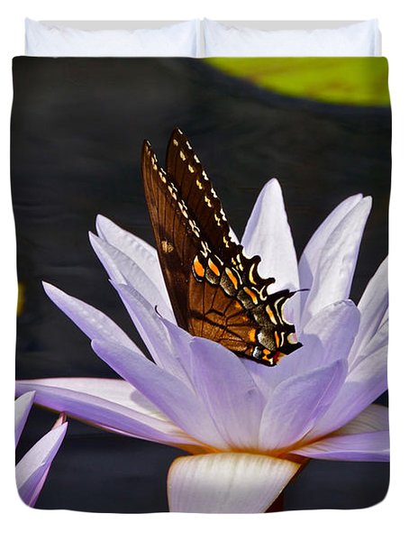 Water Lily And Swallowtail Butterfly Duvet Cover