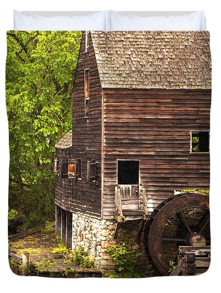 Duvet Cover featuring the photograph Water Wheel At Philipsburg Manor Mill House by Jerry Cowart