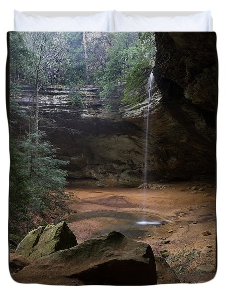 Waterfall At Ash Cave Duvet Cover