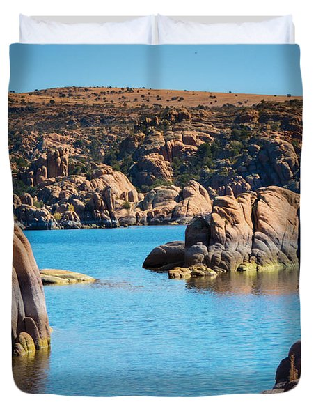 Watson Lake In The Fall Duvet Cover by Diane Wood