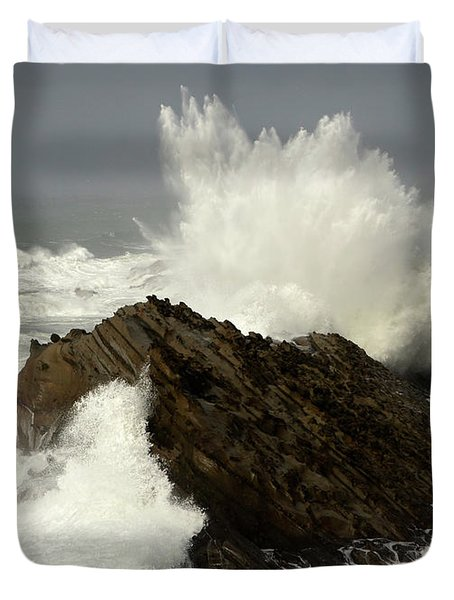 Wave At Shore Acres Duvet Cover by Bob Christopher