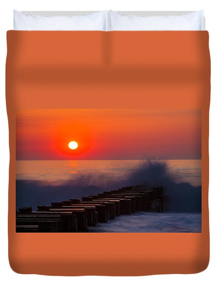 Breaking Wave At Sunrise Duvet Cover