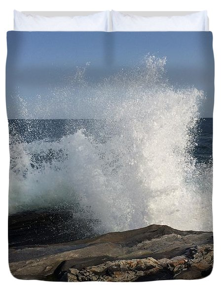 Waves Crashing On Rocky Maine Coast Duvet Cover