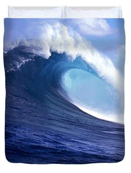 Waves Splashing In The Sea, Maui Duvet Cover