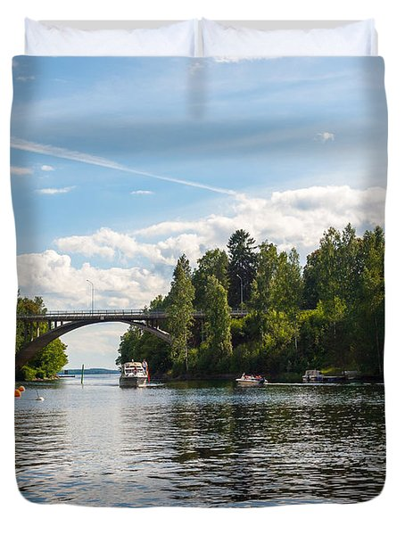 Welcome To Oravi Duvet Cover