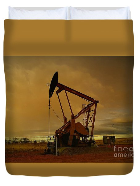 Wellhead At Dusk Duvet Cover by Jeff Swan