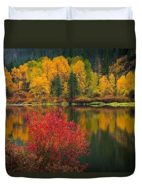 Duvet Cover featuring the photograph Wenatchee River Reflections by Dan Mihai