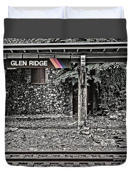 Westbound Track At Glen Ridge Station Duvet Cover
