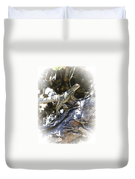 Western Fence Lizard Aka Blue-belly Lizard Duvet Cover