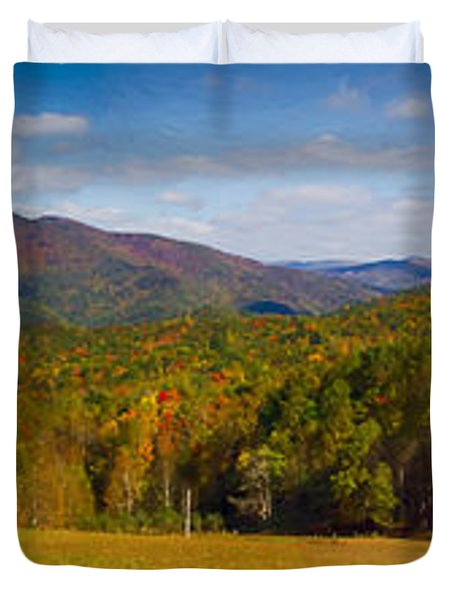 Western North Carolina Horses And Mountains Panorama Duvet Cover