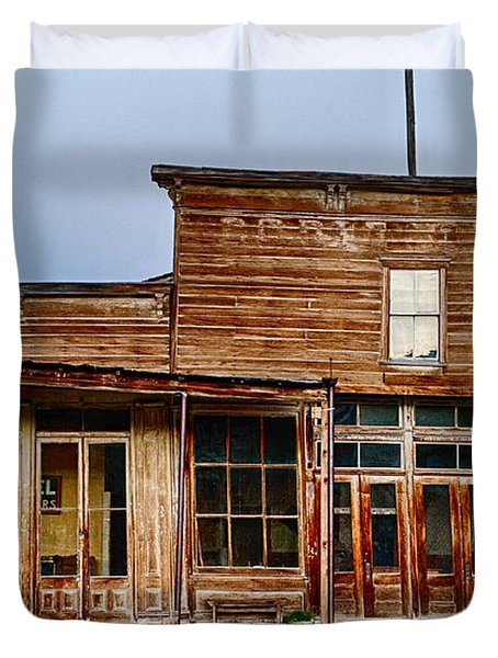 Wheaton And Hollis Hotel At Blue Hour Duvet Cover