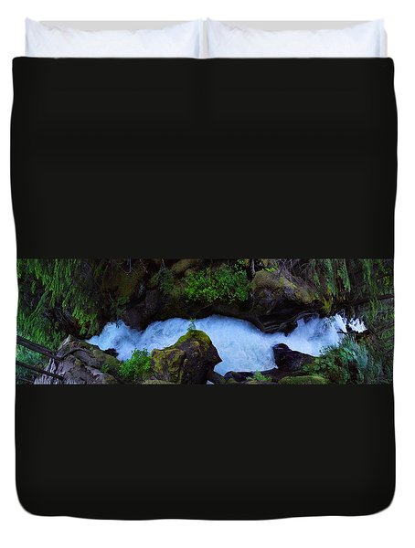 Duvet Cover featuring the photograph Which Way by David Andersen