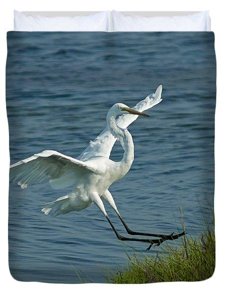 White Egret Landing 2 Duvet Cover by Ernie Echols