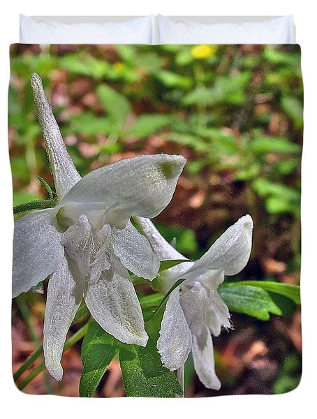 White Larkspur On Rock Spring Trail Near Natchez Trace Parkway-alabama Duvet Cover by Ruth Hager