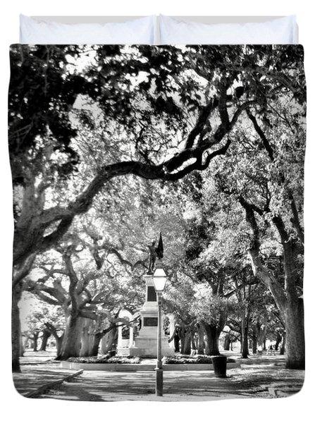 White Point Gardens At Battery Park Charleston Sc Black And White Duvet Cover