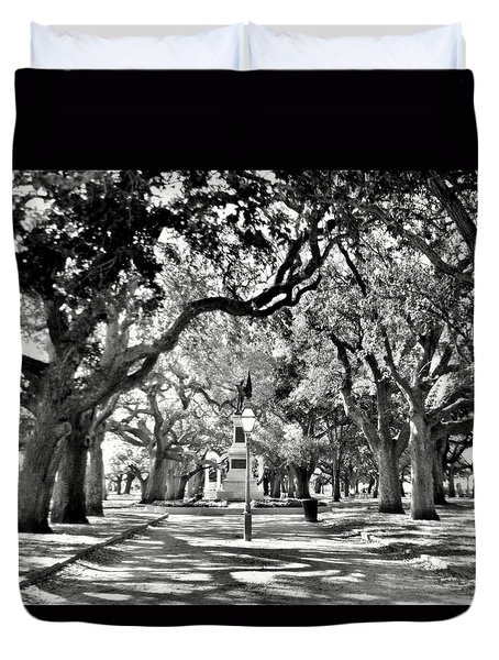 White Point Gardens At Battery Park Charleston Sc Black And White Duvet Cover