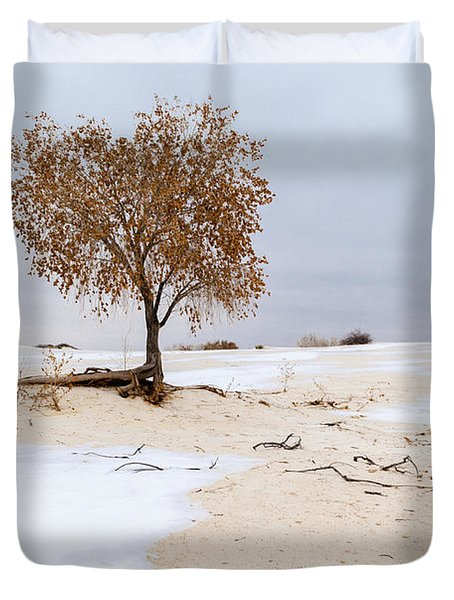 White Sands Lone Tree Duvet Cover by Brian Harig