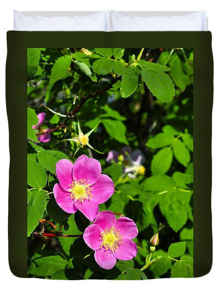 Duvet Cover featuring the photograph Wild Roses by Cathy Mahnke