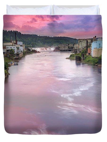 Willamette Falls During Sunset Duvet Cover by David Gn