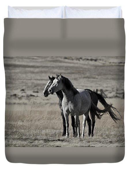 Duvet Cover featuring the photograph Windblown D3560 by Wes and Dotty Weber