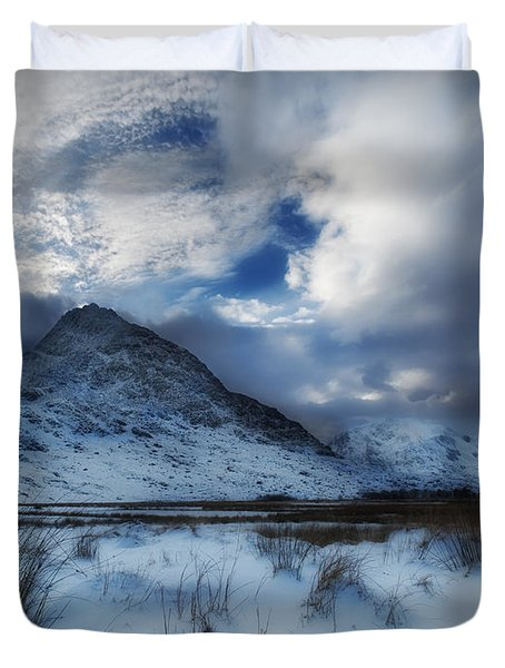 Winter At Tryfan Duvet Cover