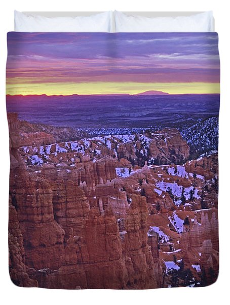 Winter Sunrise At Bryce Canyon Duvet Cover