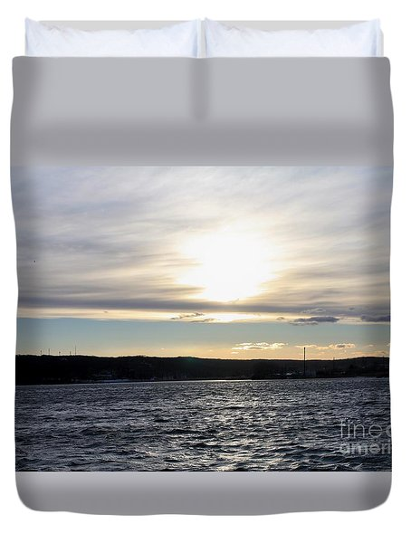Winter Sunset Over Gardiner's Bay Duvet Cover by John Telfer