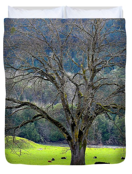 Winter Tree With Cows By The Umpqua River Duvet Cover