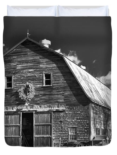 Winterberry Farm Duvet Cover by Guy Whiteley