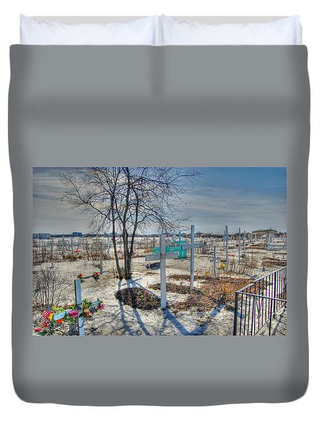 Wintery Grave Duvet Cover