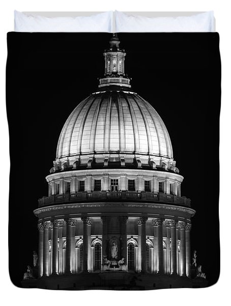 Wisconsin State Capitol Building At Night Black And White Duvet Cover by Sebastian Musial