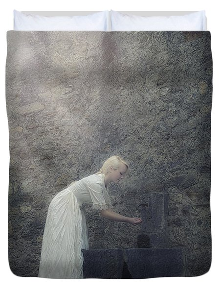 Wishing Well Duvet Cover by Joana Kruse