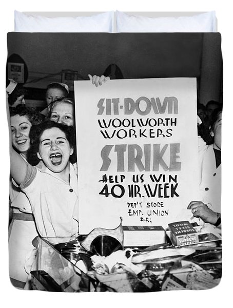 Woolworth Workers Strike Duvet Cover by Underwood Archives